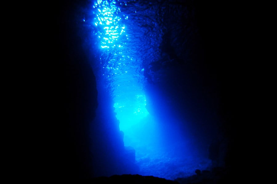 青の洞窟(真栄田岬)